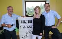 Na 9. Sportovní plese 2014 k tanci a k poslechu hrála hudební skupina Klávesy Band